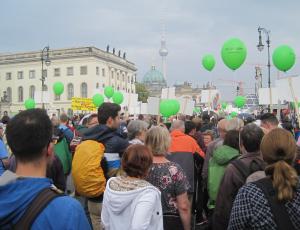 Marsch für das Leben 2014. Unterwegs. Foto: JoBo, 9-2014.