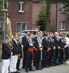 Ganz gesittet: Parade der Schützen. Foto: JoBo, 9-2015.