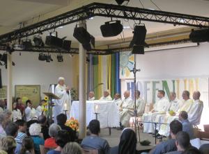 Heilige Messe zum Abschluss des Franziskusfests auf der Fazenda Gut Neuhof mit Bruder Hans Stapel OFM. - Foto: JoBo, 10-2015.