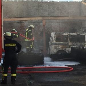Brandanschlag auf Gebäude und Fahrzeuge, die mit der DEMO FÜR ALLE in Verbindung stehen. Foto: Hedwig v. Beverfoerde (PM v. 3.11.2015).