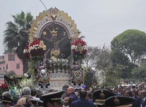 """""""Señor de los Milagros""""-Prozession in Lima. Foto: JoBo, 10-2016."""